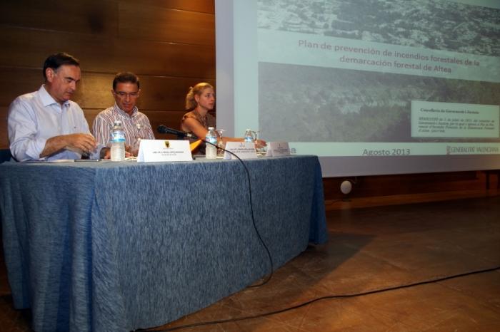 Castellano presenta a Altea el primer Pla de Prevenció d'Incendis Forestals de la nostra demarcació