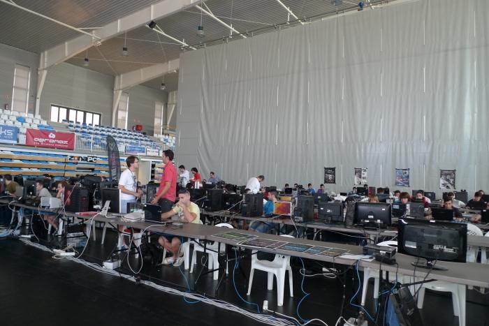 Més de 150 joves participen en la Primera 'Lan Party' d'Altea