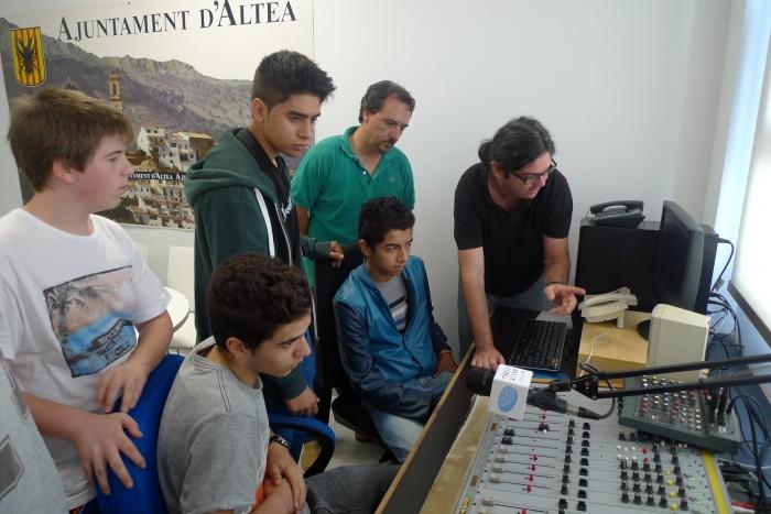 Els joves alteans ja tenen el seu espai en Ràdio Altea
