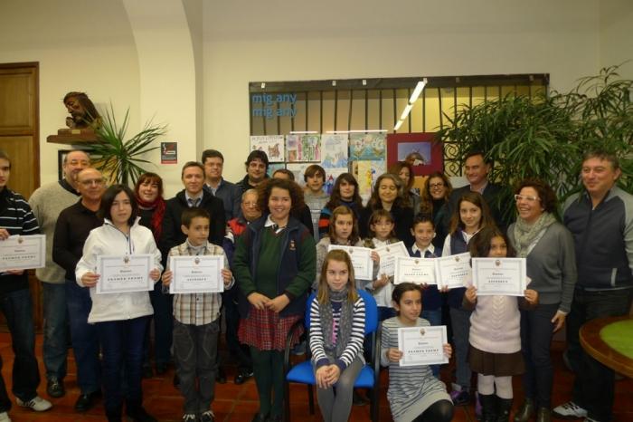 Es dona inici al  Mig Any amb els concursos de dibuixos i fotografies de l'Associació Sant Blai.