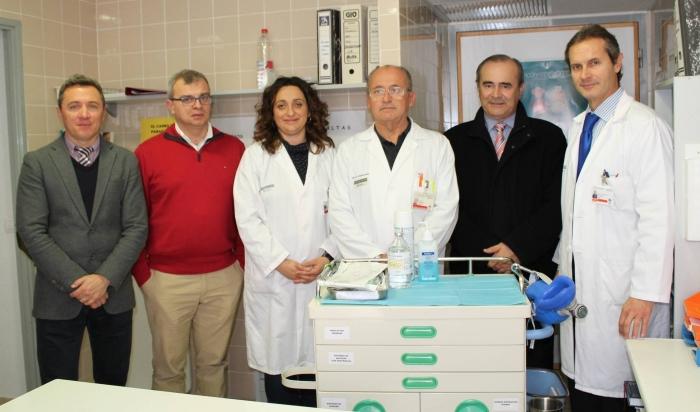 L'Hospital Marina Baixa rep de Caixaltea la donació d'un Carro de Parades