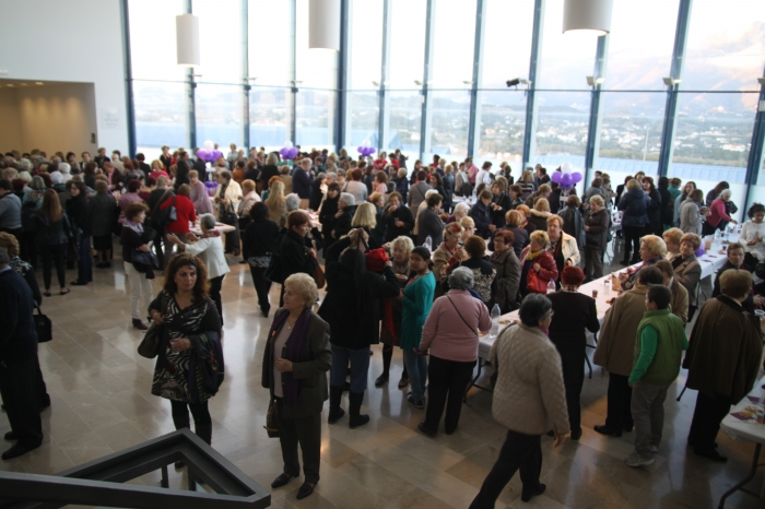 Prop de 900 dones van participar ahir a Altea en la 'XIV Trobada de Dones de la Marina Baixa'