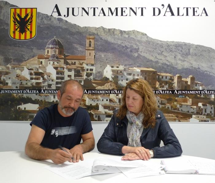 L'Ajuntament d'Altea i 'Pla i Revés' acorden una col·laboració anual per a la realització d'activitats teatrals i per a la cessió dels baixos de Palau Altea