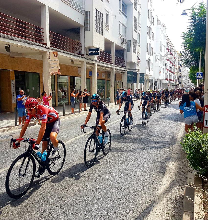 Altea va tornar a eixir al carrer al pas de la Vuelta