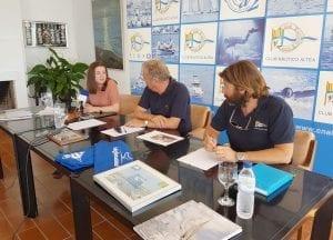 L'Ajuntament dóna suport a la tasca per la defensa del medi ambient que realitza el Club Nàutic d'Altea