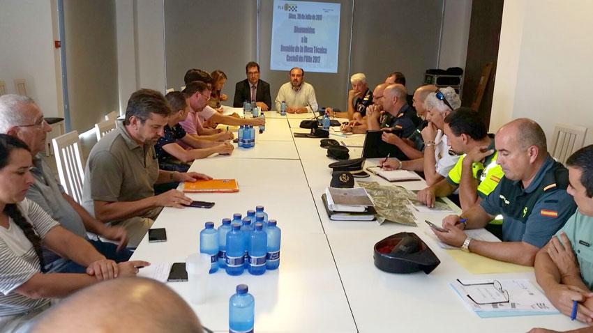 Ayer se celebró la reunión de la Junta de Seguridad del ''Castell de l'Olla 2017'' presidida por el subdelegado del gobierno José Miguel Saval y los ediles de Seguridad Ciudadana y Turismo del Ayuntamiento de Altea, Vicent Ripoll y Anna Alvado, respectivamente.