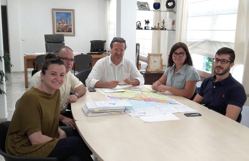 El director general d'Ordenació del Territori manté una reunió amb l'equip de govern