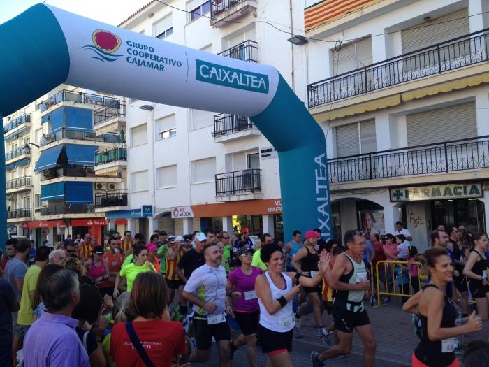Èxit de participació en la XX Carrera Popular 9 d'Octubre a Altea