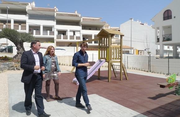 La zona dels Piteres compta amb un nou parc infantil