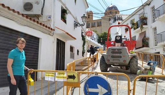 Gas natural prossegueix amb les obres en els carrers d'Altea per a fer accessible el servei a les habitatges