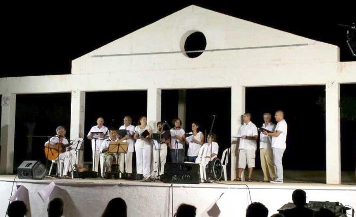 Més de 200 persones assisteixen al concert Nit d'Havaneres organitzat per Pas de Quatre