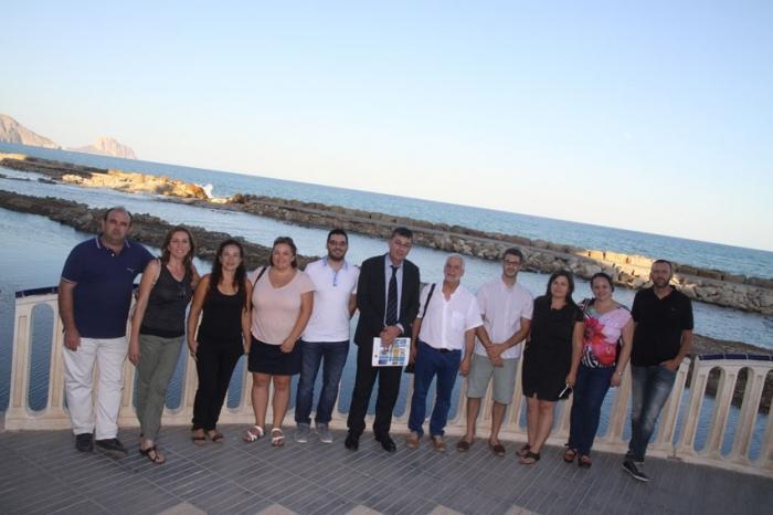 El President de les Corts Valencianes, Enric Morera, manté a Altea una reunió de treball amb l'equip de govern municipal