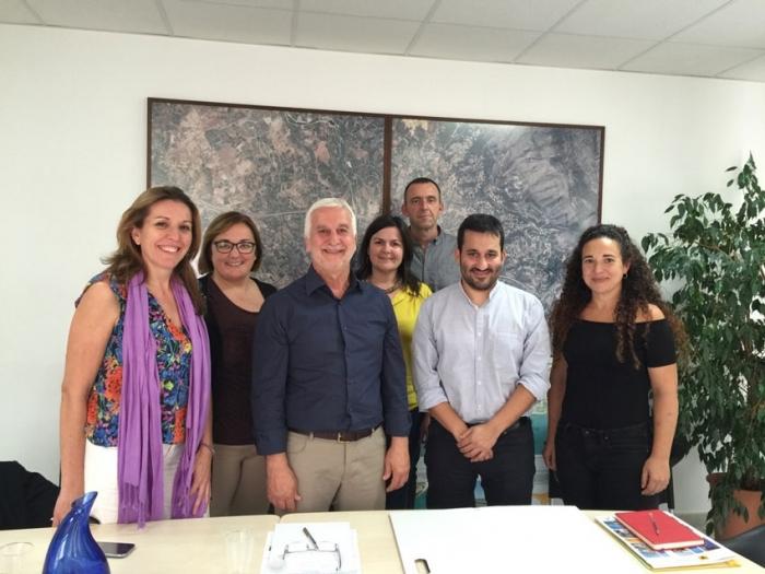 El conseller d'Educació, Investigació, Cultura i Esport, Vicent Marzà visita l'Ajuntament d'Altea