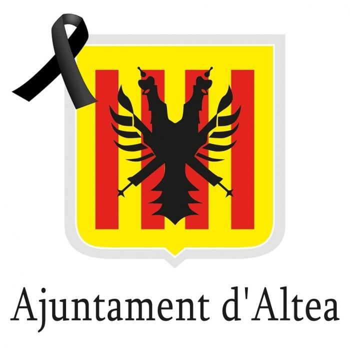 L'Ajuntament i tot el poble d'Altea es suma a les mostres de condol pels atemptats perpetrats a Paris i mostra tot el seu suport a les víctimes, els seus familiars i tot el poble Francés.