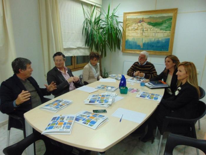 L'alcalde i la regidora de Turisme mantenen una reunió amb representants del sector hoteler d'Altea