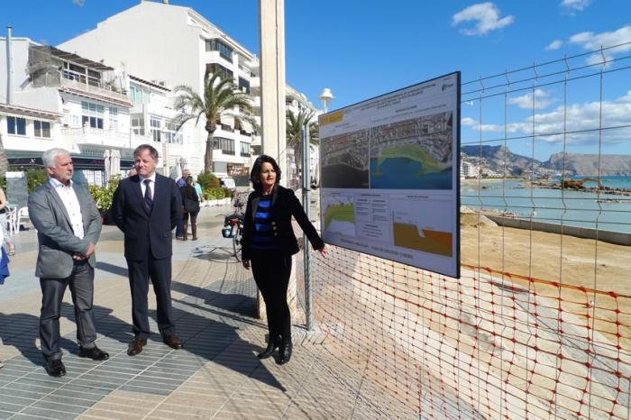 L'alcalde i el delegat del govern visiten les obres de rehabilitació de la façana litoral d'Altea