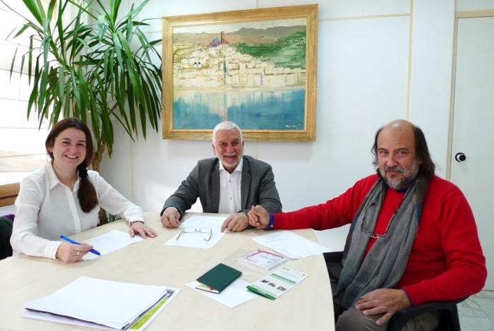 L'alcalde i la regidora de Medi Ambient reben a Joan Piera, nomenat president de la Junta Rectora del Parc Natural de la Serra Gelada