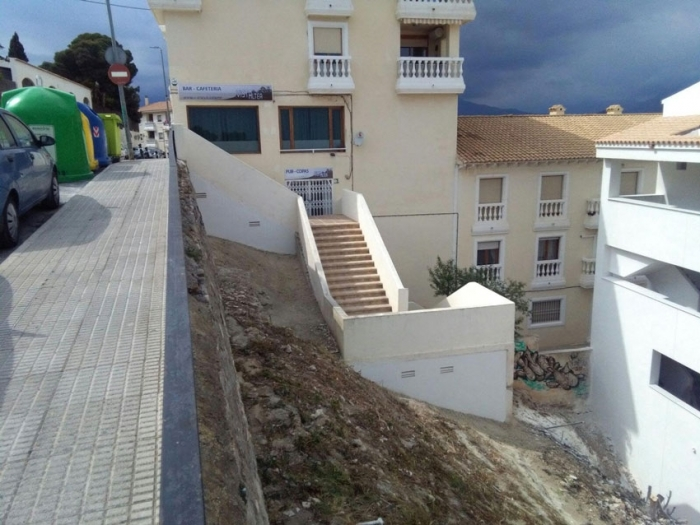 Infraestructures adequa la parcel•la pública situada entre el carrer Calvari i Santa Teresa