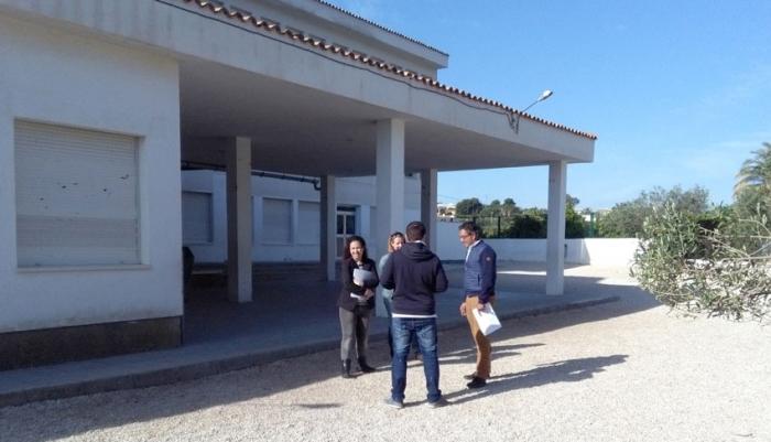 La regidora d'Educació, Vicenta Pérez, visita el col•legi El Blanquinal dins de la ronda de visites als centres educatius