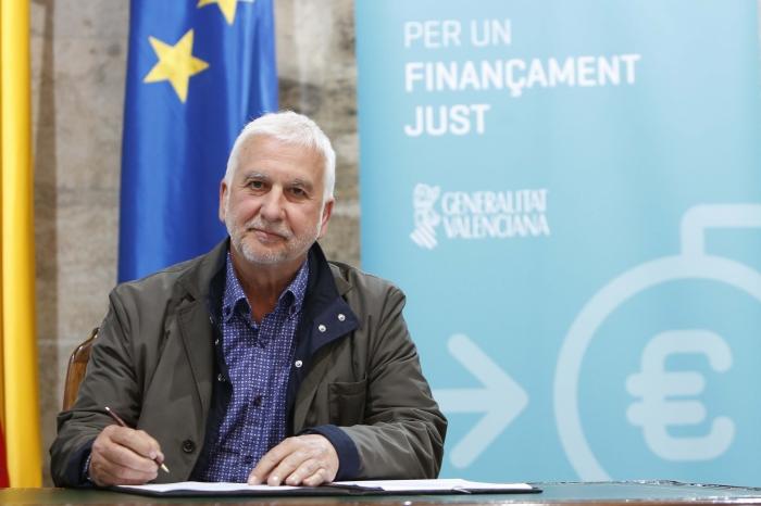Jaume Llinares participa en l'acte per un finançament just a València