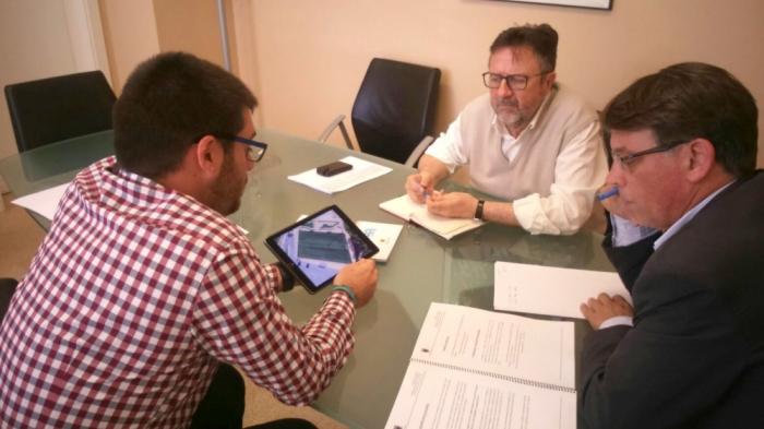 El regidor d'Esports, Pere Barber, es reuneix a València amb el director general d'Esports de la Generalitat