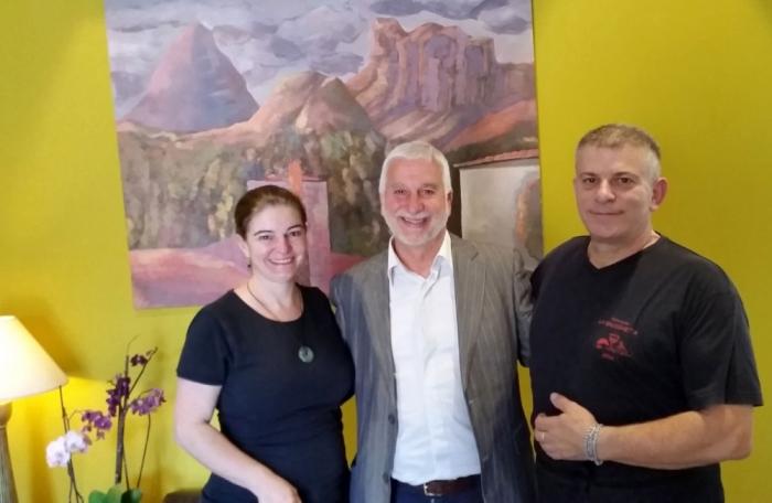 Exposició homenatge a Batiste San Rok amb els seus murals i quadres a la Bruschetta