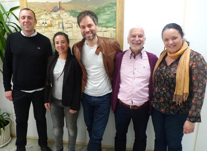 El director artístic de l'ADDA, Josep Vicent, visita l'Ajuntament d'Altea