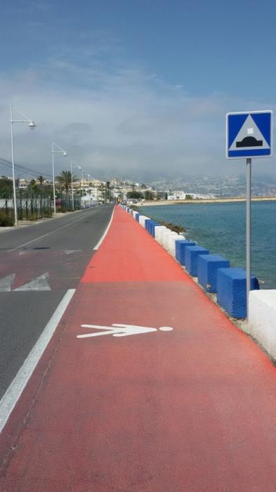 La regidoria d'Infraestructures finalitza els treballs de millora del passeig de vianants que comprèn del Club Nàutic a Cap Blanc