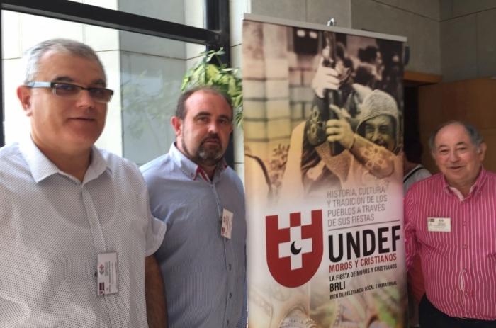 Vicent Ripoll assisteix al IV Congrés Nacional i I Internacional sobre festes de Moros i Cristians organitzat per la UNDEF