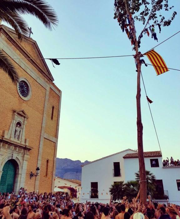 L'Ajuntament d'Altea inicia els tràmits per reconèixer la festa de l'Arbret  com Bé Immaterial de Rellevància Local