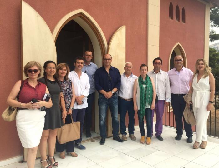El rector de la Universitat d'Alacant visita les instal·lacions de Villa Gadea