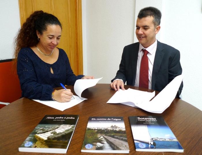 L'Ajuntament signa el conveni ''Altea, la lluna en un cove'' amb la Universitat d'Alacant