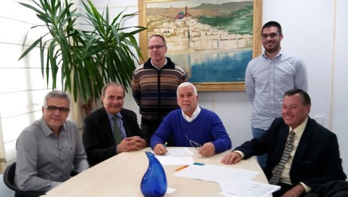 L'Ajuntament signa el préstec amb Caixaltea que finançarà les obres de reparació del camp de futbol d'Altea la Vella