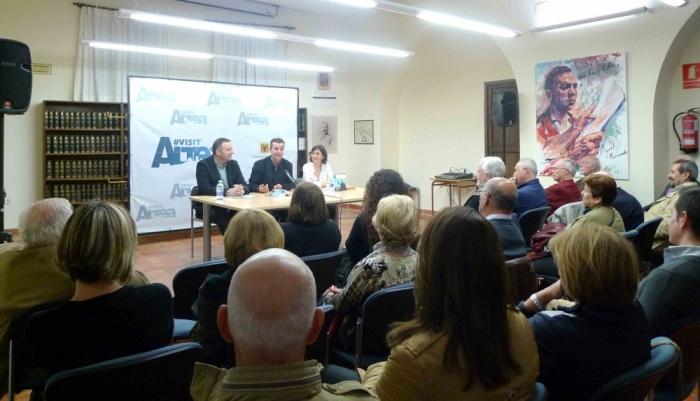 Més de 300 persones recolzen la segona edició del cicle ''Altea, llibres a la tardor''