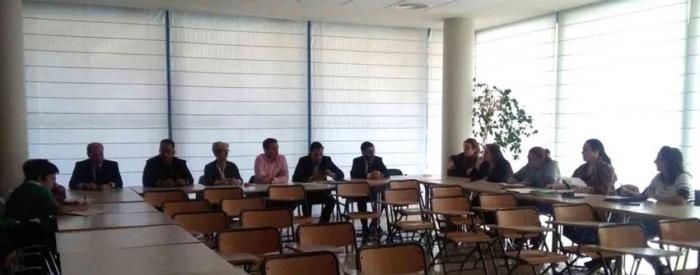Verónica López i membres de l'equip de govern es reuneixen amb representants de la PAH i directors d'entitats bancàries per buscar una solució davant els desnonaments