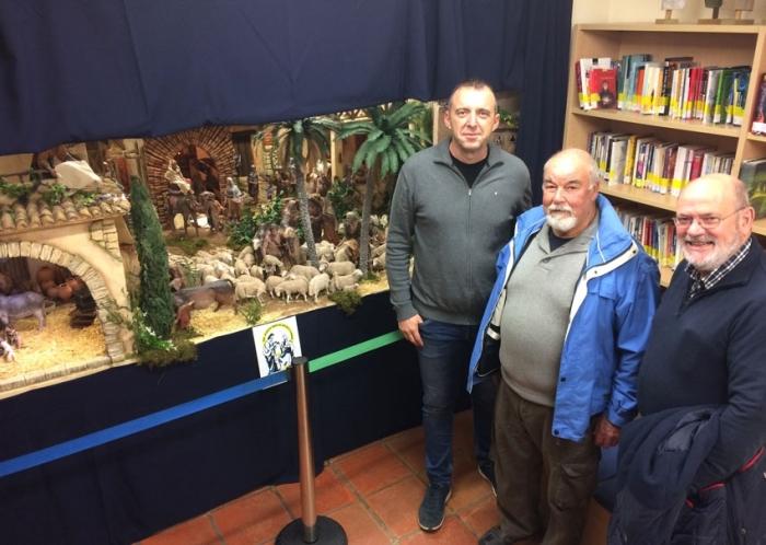 Amics del Betlem de la Marina exposa el seu Betlem a la Casa de Cultura