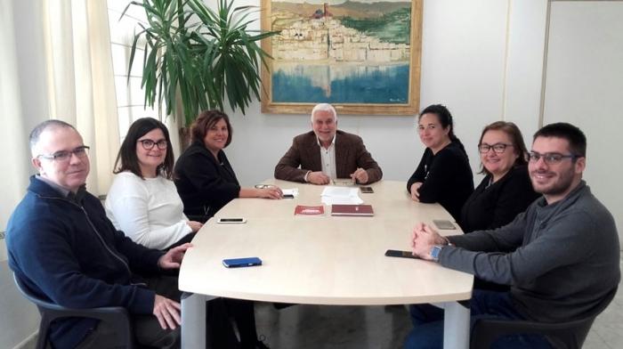 La directora general de Formación Profesional y Enseñanzas de Régimen Especial visita el Conservatorio Profesional de Música