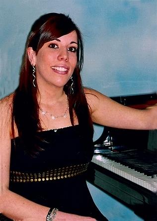 l'ASSOCIACIÓ AMICS DE LA MÚSICA. Presentarà el concert de piano a càrrec de AROA BLANCO LÓPEZ