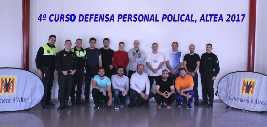 Agents de la Policia Local participen en un curs de Defensa Personal Policial