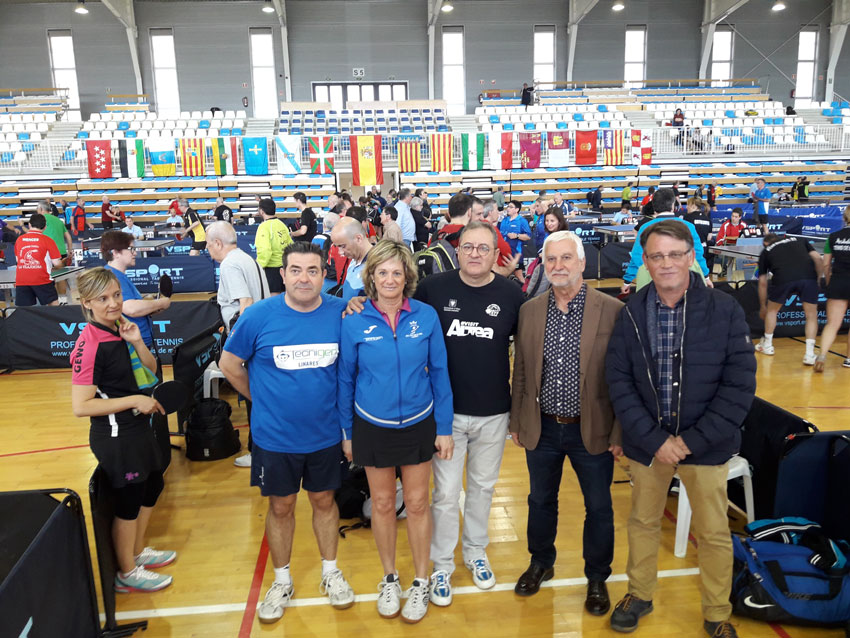 El director general d'Esports visita Altea amb motiu del Campionat de Veterans de Tennis Taula