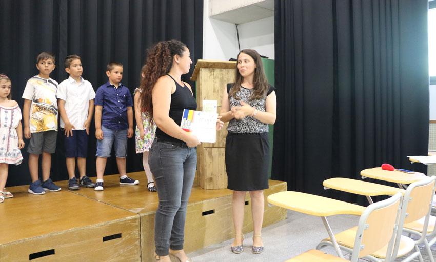 Els alumnes de Llengua, Cultura i Civilització romanesa celebren el final de curs