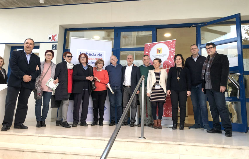 L'Alcalde d'Altea i l'escriptora Rosa Regàs inauguren la 4a Trobada de Professorat de Valencià