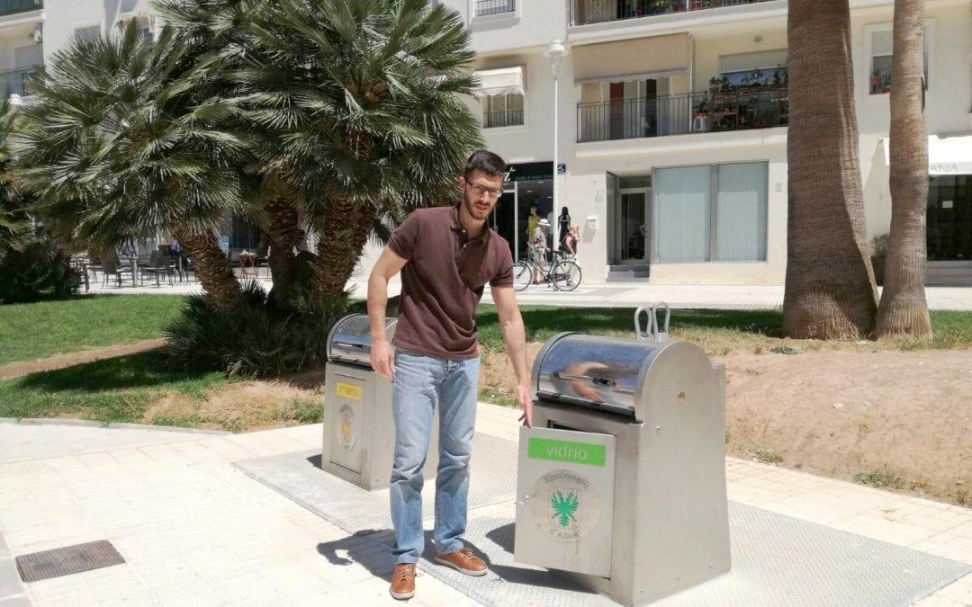 Roque Ferrer informa de la posada en funcionament dels contenidors soterrats dels carrers Garganes i Catarroja