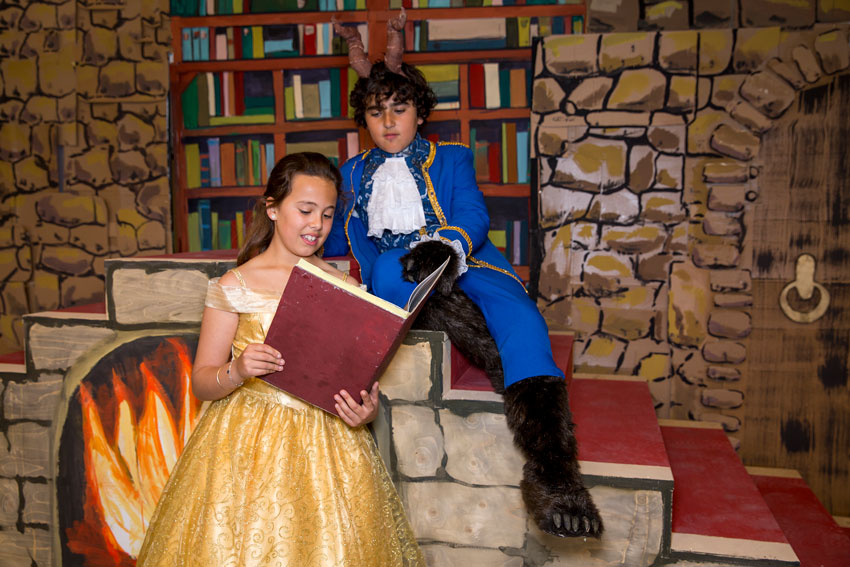 """Más de 250 alumnos del colegio El Blanquinal representarán el musical """"La Bella i La Bèstia"""" en Palau Altea"""