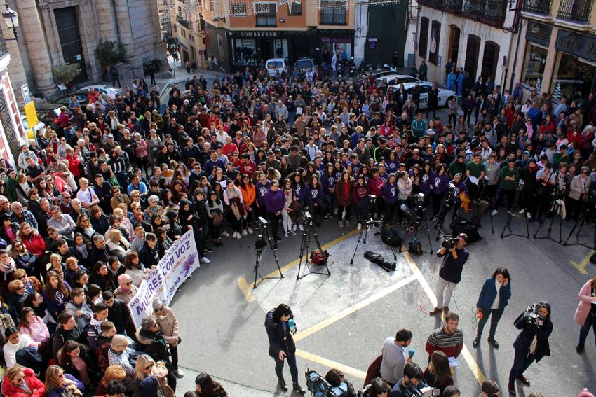 L'Ajuntament d'Altea es suma a la concentració en repulsa de l'agressió sexual col·lectiva duta a terme a Callosa d'en Sarrià