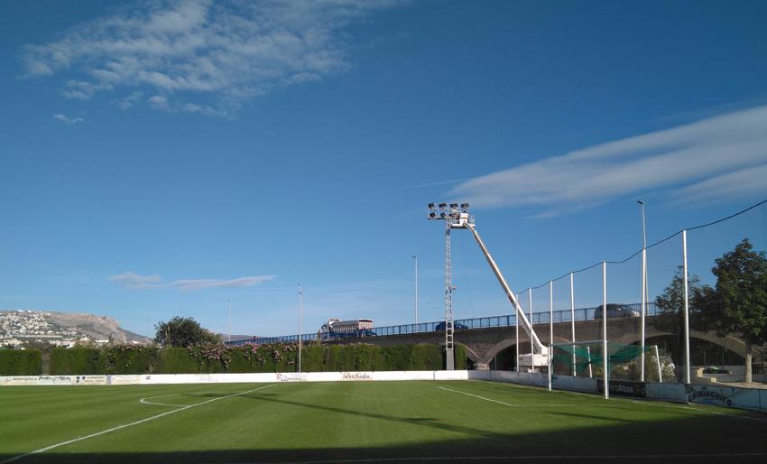 El Pavelló Garganes i el camp de futbol compten des d'aquest cap de setmana amb nova il·luminació