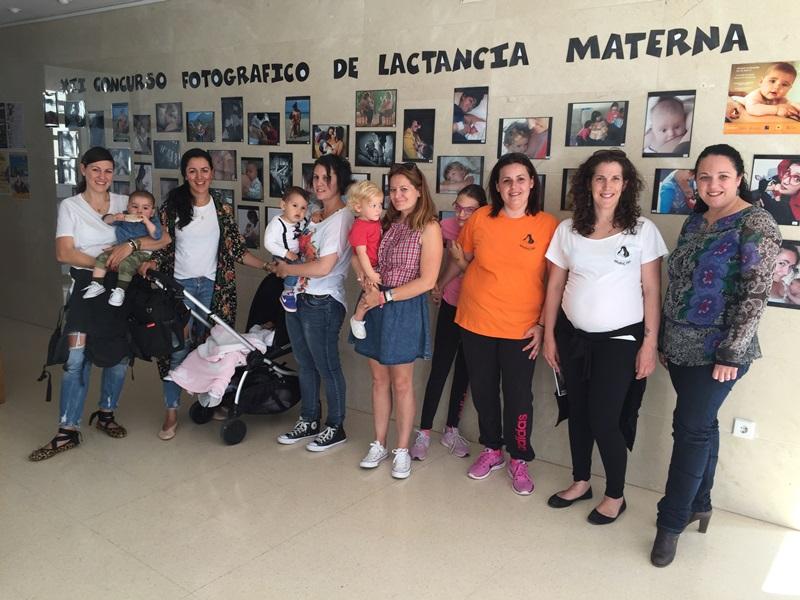 Arriba per primera vegada a Altea l'exposició fotogràfica de nadons lactants d'Amamaluna
