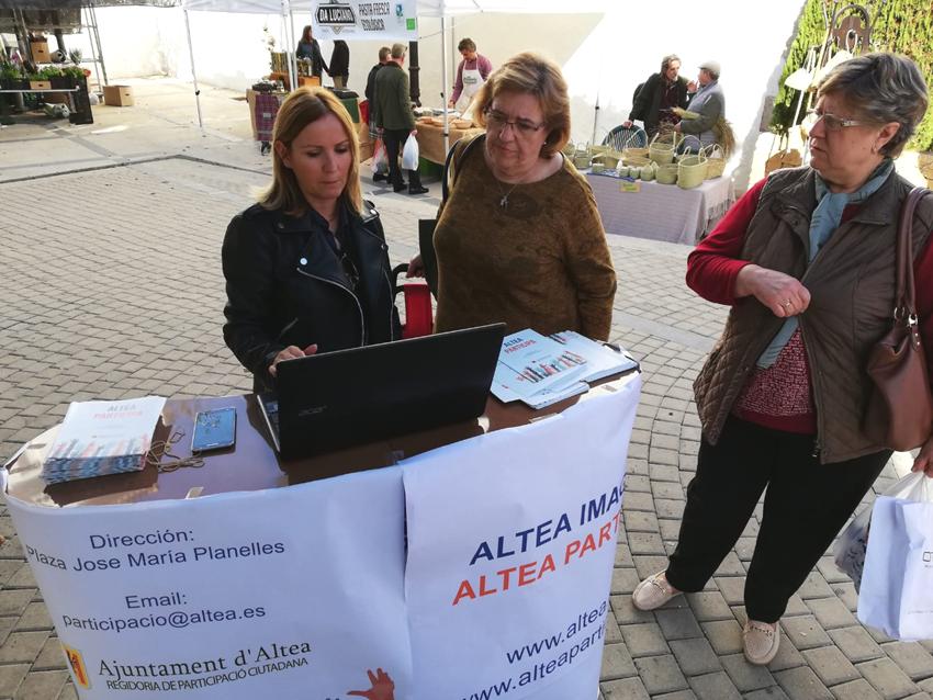 """Participació Ciutadana trau al carrer la campanya """"Altea imagina, Altea participa"""""""