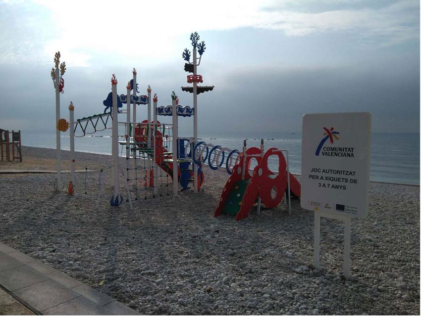 L'edil d'Infraestructures anuncia l'ampliació de jocs del parc de la platja de la Roda
