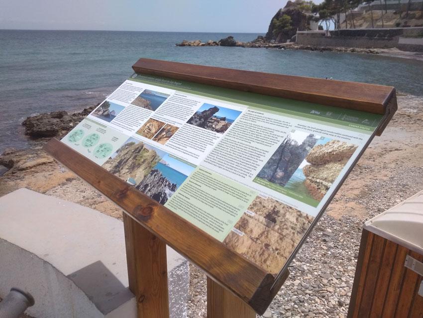 Turisme restaura els panells informatius que il•lustren la xarxa de senders Camins d'Altea